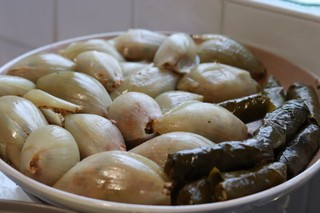 1550665381392-AA-Stuffed-vine-leaves-and-onion-shells-2