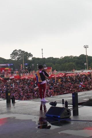 1551117707637-Big-Soto-con-Bandera-de-Venezuela