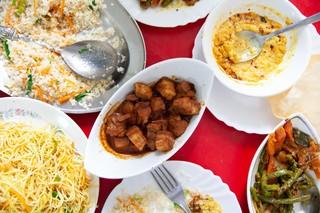 Napoli-Ashley-ristoranti-sri-lanka-tavola
