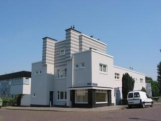 1551873904674-Johan-Cruijffs-Amsterdam-Cruyff-Betondorp-Duivendrechtselaan_Betondorp_Amsterdam_2