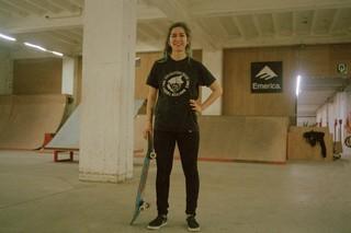 skate-meisjes-skateboard-brussel-Byrrrh