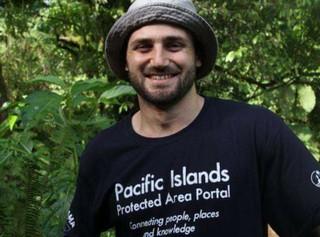 1552285633376-Liam-Cook-Islands