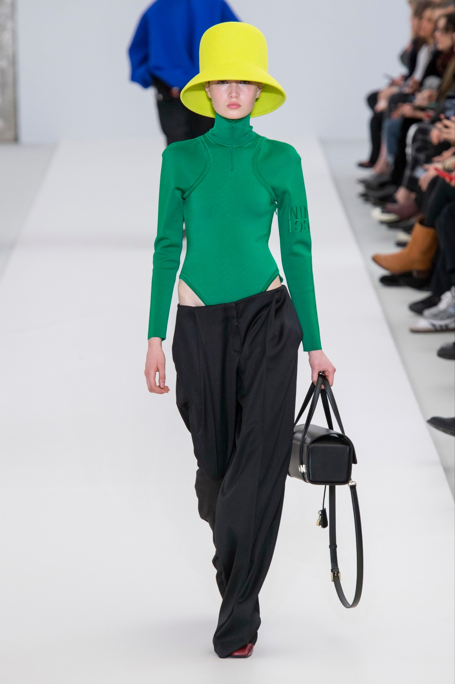 Visuel Silhouette Nina Ricci Athleisure - Tendances 2019 - Article blog ordinari.shop