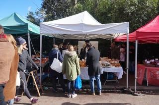 1552648666575-Breadwinners-market