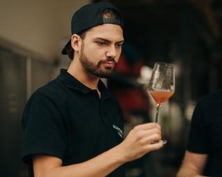 Jimi Blue probiert Wein