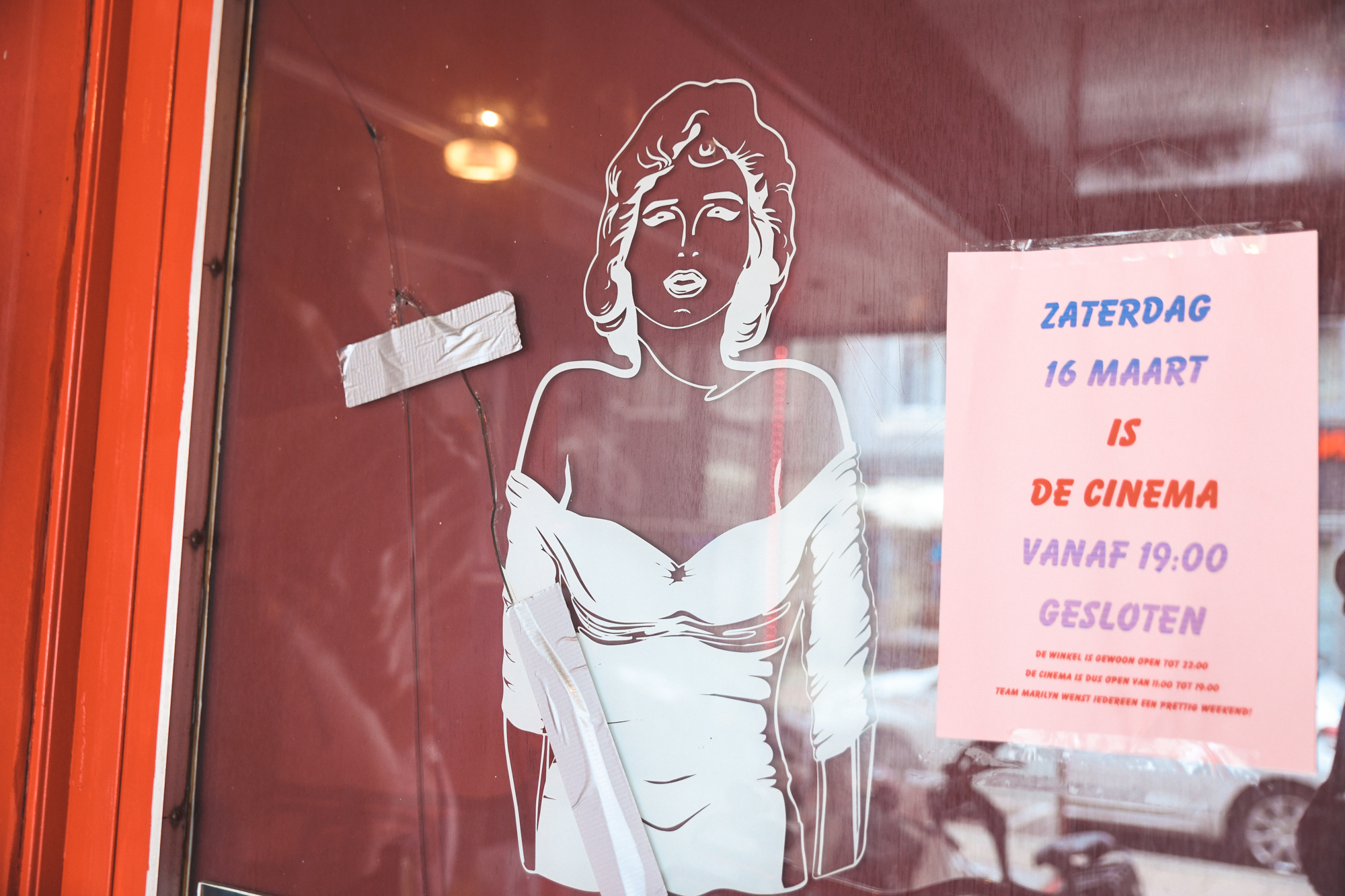 A Tour Of The Last Wanking Booths In The Netherlands - Vice-2732