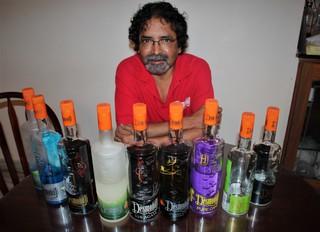 1553525816805-Desmond-et-ses-bouteilles
