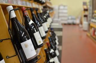 1553870138426-Calais-Vin-2 Wine Shop Brexit Bouteille