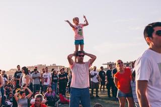 Gente en Lollapalooza Argentina 2019. Foto por Matías Casal.