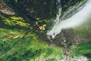 1554201552610-Sawanobori-Climbing-Waterfalls-in-JapanS19_SAWANOBORI_DigitalPR_uo_009