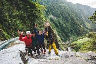 1554201953719-Sawanobori-Climbing-Waterfalls-in-JapanS19_SAWANOBORI_DigitalPR_uo_020