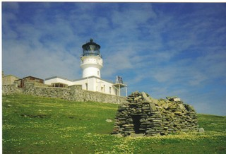 1554388885059-St_Flannans_Cell_and_Flannan_Isles_Lighthouse_-_geographorguk_-_623920