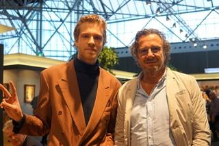 twee mannen poseren
