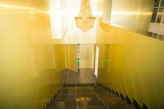 gouden trap omlaag