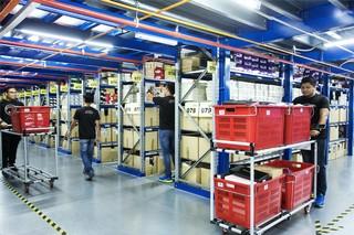 zalora warehouse packers