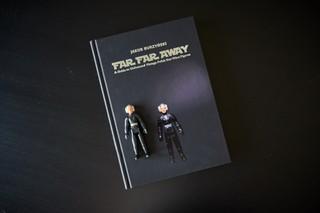 Książka Far far Away i figurka