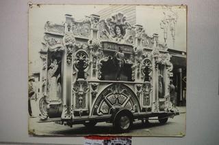Foto oude draaiorgel