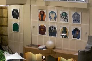 Vroeger hadden de beurshandelaren daadwerkelijk rugby-achtige shirts aan, zodat ze konden zien naar wie ze moesten schreeuwen.