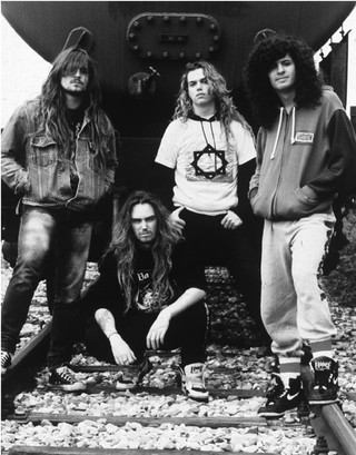 1555441065214-Sepultura-at-the-time-of-Beneath-the-Remains-1989-Left-right-Andreas-Kisser-Max