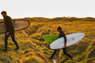 1556286486764-Nissan-Black-Bay-Surfing-3-of-17