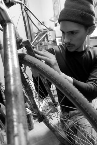 1556731359208-ivan-ostos-foodora-bike-courier