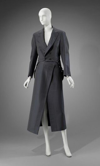 1557334058348-16_Tailcoat-jacket-and-wrap-skirt