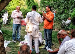 1557480544498-Amit-Sharma-campaigns-for-his-party-at-a-park-in-Shahdara1