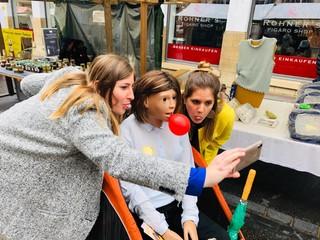 Thurgau Tourismus Bianca macht Selfie mit anderen Frauen