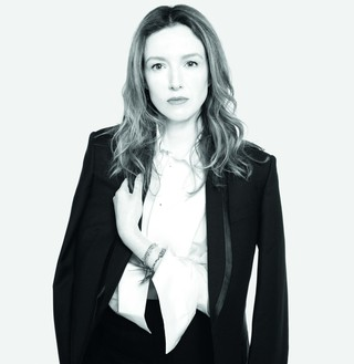 1557841048040-Clare-Waight-Keller_Givenchy-documented-by-Steven-Meisel-Copia