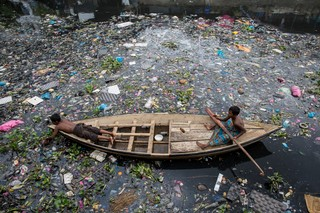 polluted river dhaka