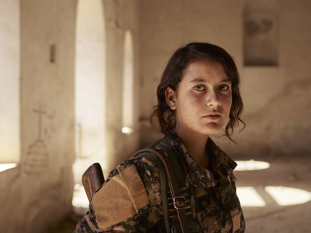 Intimate Photos of Kurdish Fighters Battling ISIS