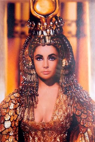 1558629425298-Linda-Vallejo_Cleopatra