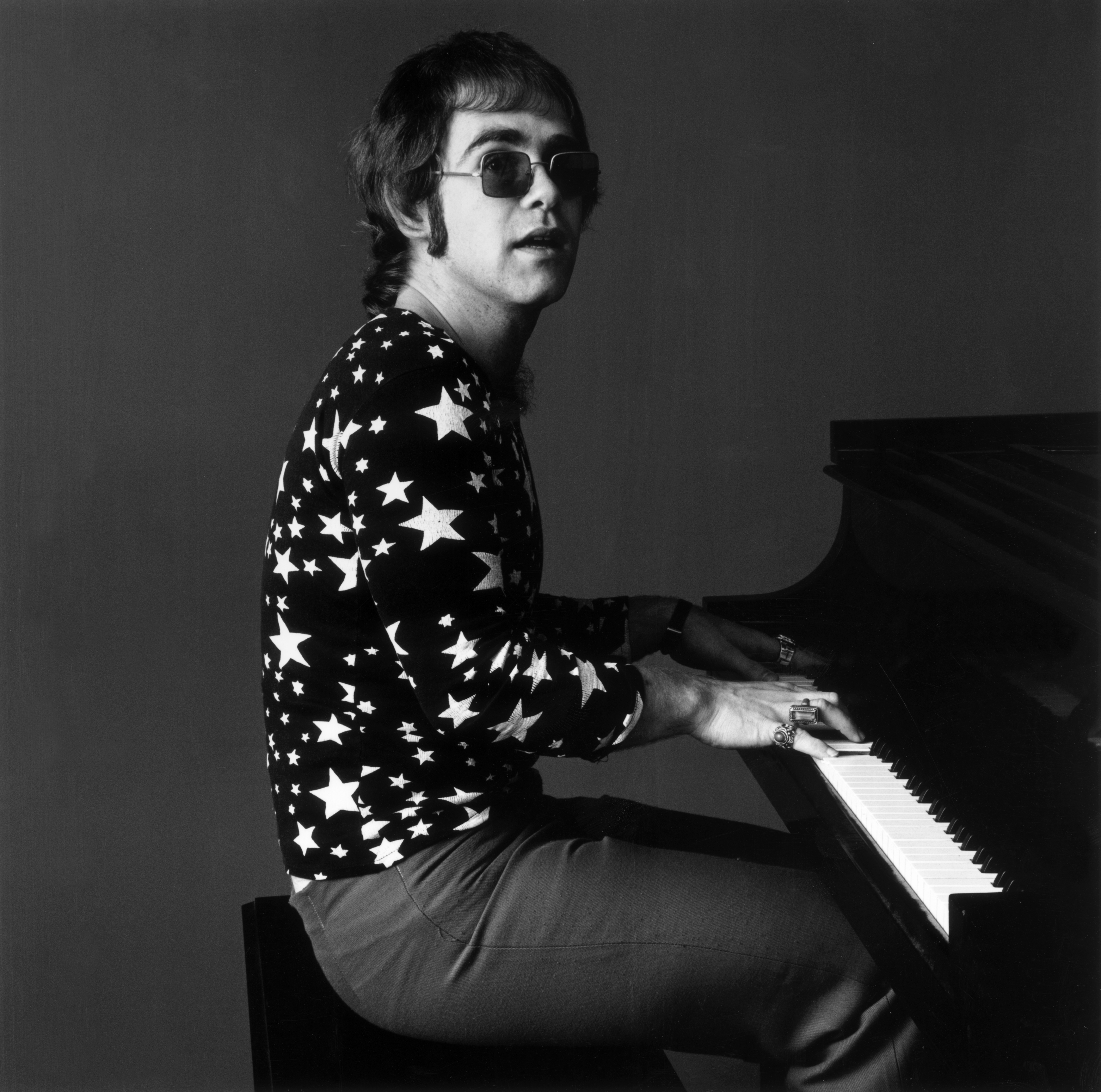 7 Of Elton John S Most Iconic Outfits I D