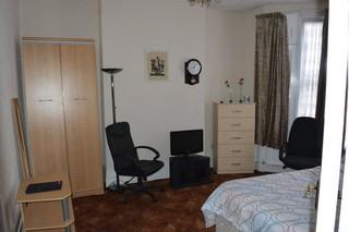 flat to rent clapton