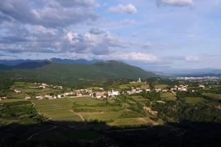 Vista-sul-Collio-col-monte-Sabotino-e-Nova-Gorica-sullo-sfondo