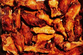 a tray of chicken wings from mad for chicken in brooklyn