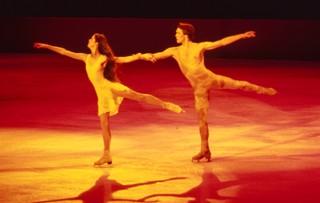 氷上の王、ジョン・カリー, ジョニー・ウィアー, ムーンスケート