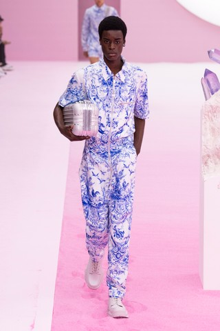 1561154703868-KEY-LOOKS-DIOR-MENS-SUMMER-2020-SHOW-LOOK-10