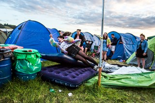 tents glastonbury blow up bed