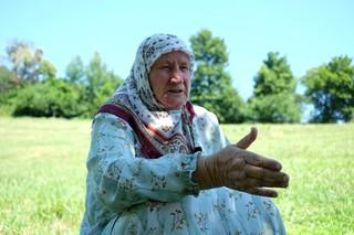 1562668586252-13-Nura-Mustaficu-ratu-izgubila-3-sina-i-muza-u-dvoristu-svoje-kuce-u-selu-Bajramovice
