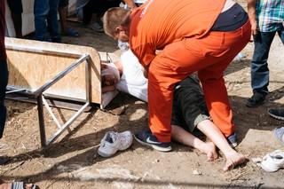 Ein verletzter Geflüchteter im Camp