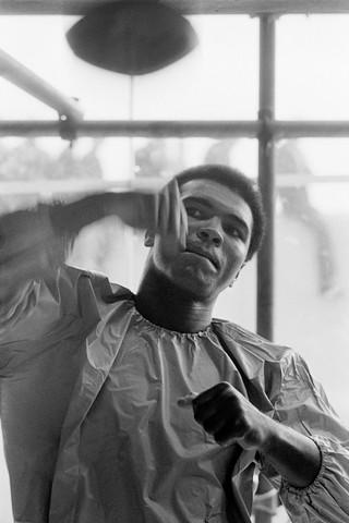 Muhammed Ali mentre si allena Dublino / 1972 / 81,1 x 58,1 cm © Terry O'Neill