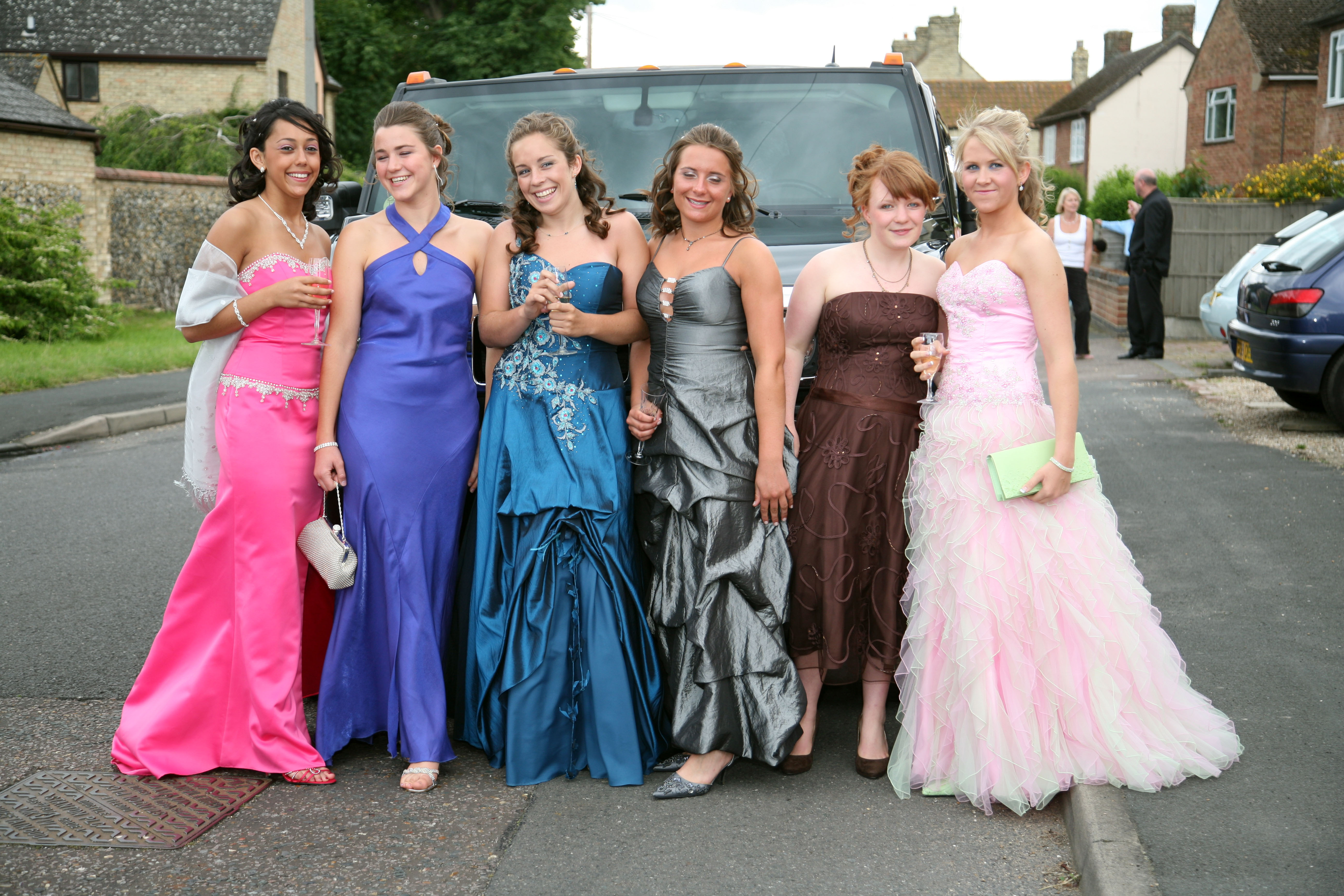 How British Schools Fell for American-Style Proms - VICE