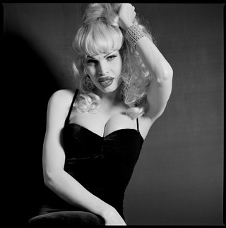 1563947666319-Amanda-Lepore-2-New-York-Februari-7th-1995-c-The-Remsen-Wolff-Collection-courtesy-of-Jochem-Brouwer