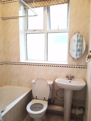 flat rent swiss cottage