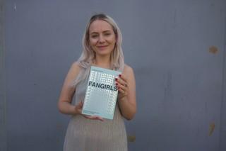 Hannah Ewens Fangirls book VICE