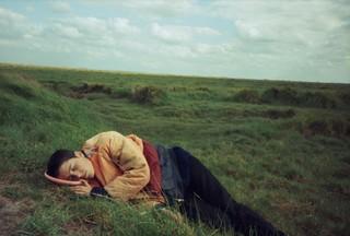 slapen-in-veld-na-rave-in-jaren-90-Vinca-Petersen-No-System
