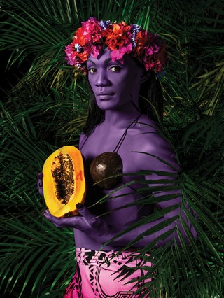 1565141709414-LaFemmeALaPapaye_I_60x80cm_300DPI_NamsaLeuba_2019_Tahiti_300