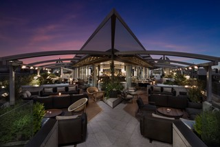 1565258891299-219MeLondon-Radio_Rooftop_Terrace_By_Night