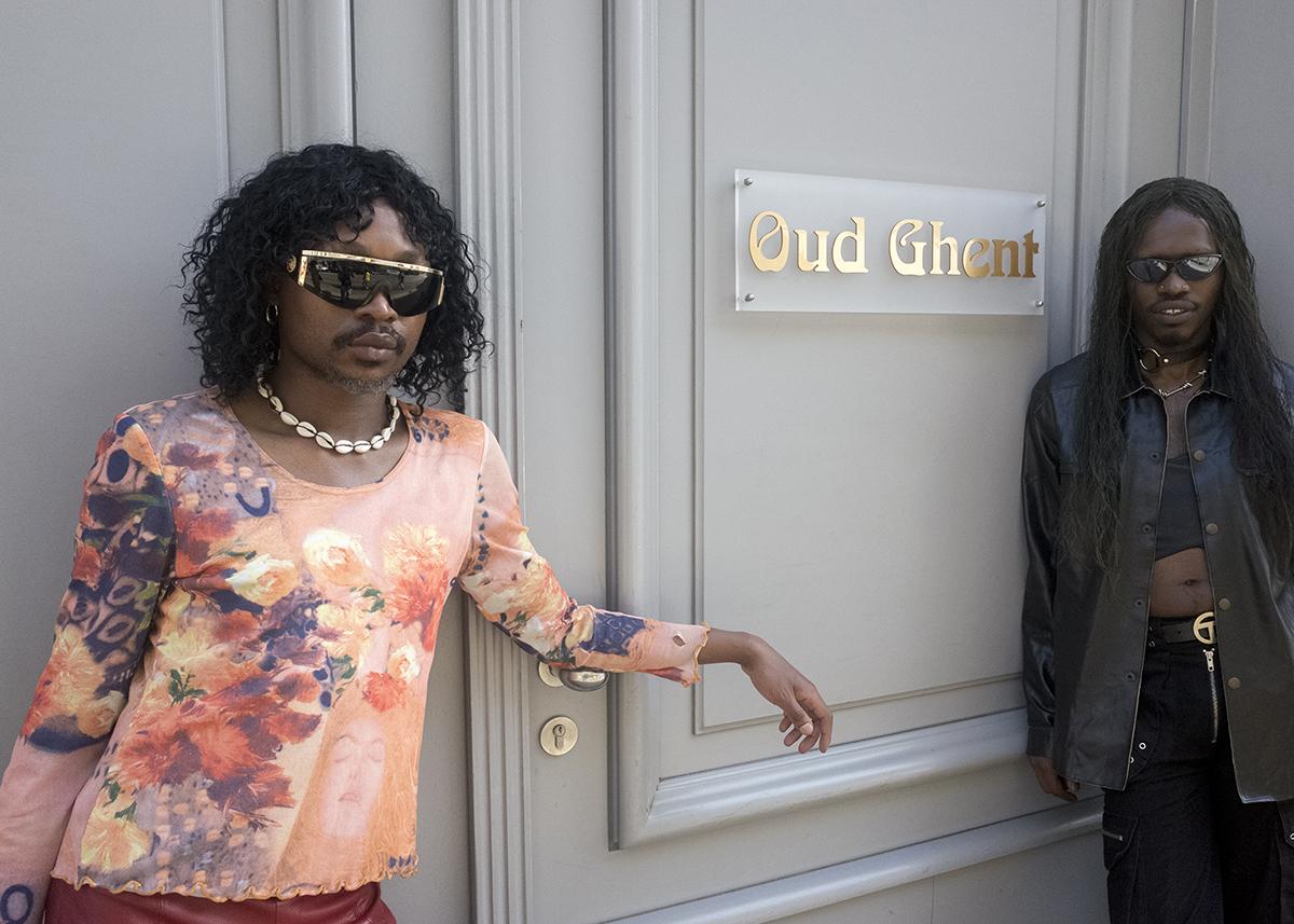 Een wandelingetje door Gent met het Zuid-Afrikaanse queerduo FAKA
